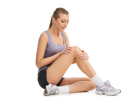 pain painful knee joint sport runner woman running bruised physical painfully health filtered tendon jogger physical exercise leg outdoors model activity adult sprain accident active outside fitness people muscle caucasian touching injury injured pulled y